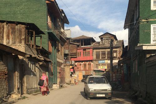 au pied de l'himalaya - rencontre avec mes brodeurs